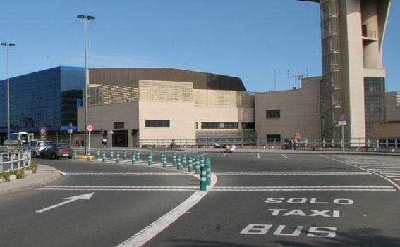 Recurren la suspensión del servicio de transfer del aeropuerto de Gran Canaria