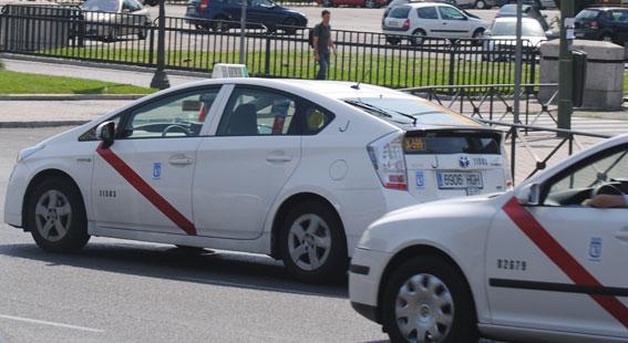 Policía critica una de las pautas del manual antiterrorista para taxistas