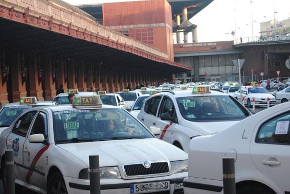 """Aseos """"de lujo"""" en Atocha para los taxistas madrileños"""