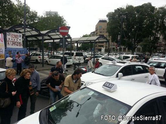 El taxi de Milán lucha en las calles contra Uber