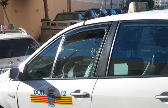Taxistas donan 12.270 euros la asociación de fibromialgia