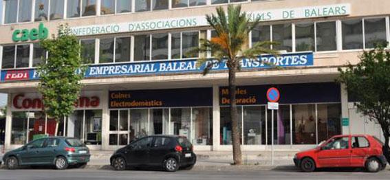 A control las VTC solicitadas por el taxi en Baleares