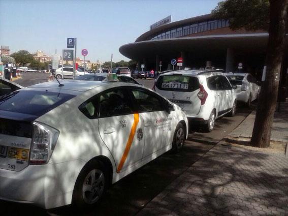 Abierto un nuevo plazo para el rescate de licencias en Sevilla