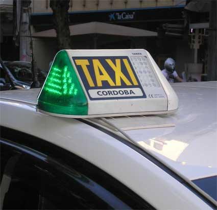 UGT Córdoba pide modificar la ordenanza del taxi