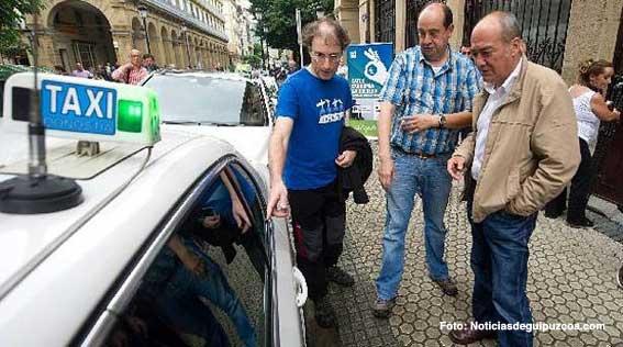 Los taxistas de San Sebastián estarán conectados 'online' con Hacienda