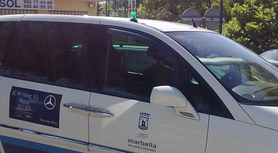 Marbella pone en marcha un plan anti intrusismo