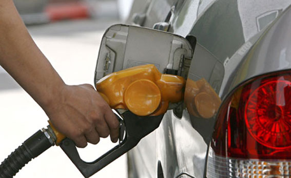 La OCDE pide a España que suba el impuesto sobre los carburantes