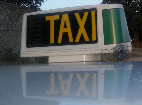 Taxistas andaluces colaboran en campaña contra los malos tratos