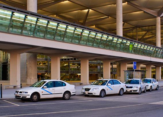 El taxi de Málaga tendrá un stand en el aeropuerto