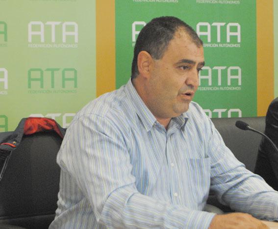 Roberto Merino desmiente las acusaciones sobre trabajar en descanso