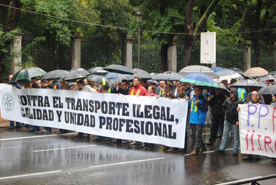 Escaso seguimiento en la manifestación contra los ilegales
