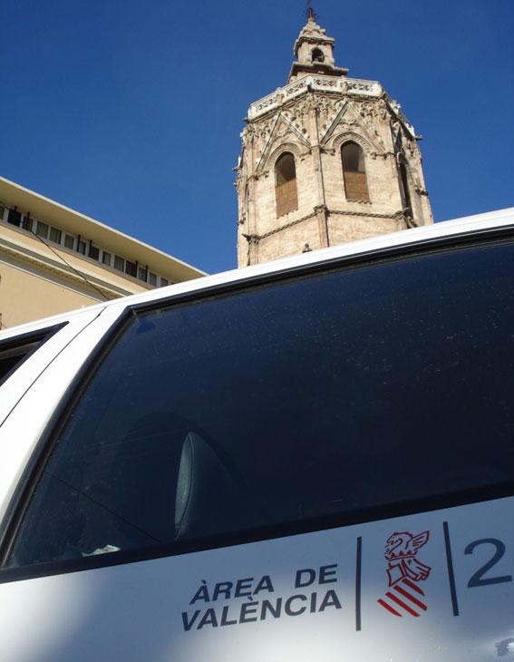 Dos detenidos por agredir y robar a un taxista en Valencia