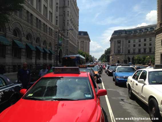 Taxis protestan en Washington D.C contra 'apps' disruptivas