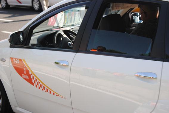 Murcia abre la puerta al taxi compartido