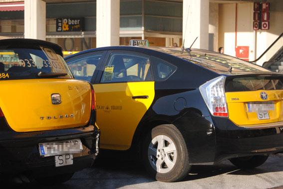 La Generalitat subvencionará la compra de taxis eléctricos