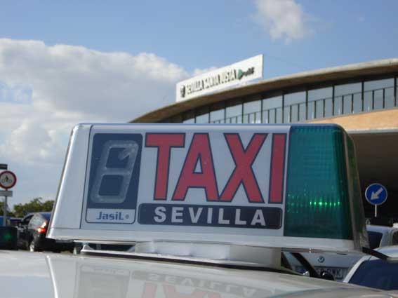 Oleada de robos sobre taxis en Sevilla