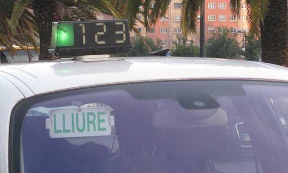 El taxi se refuerza para el fin de semana de Fallas