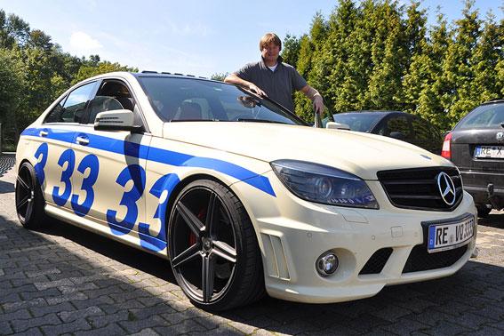 El taxi más rápido de mundo alcanza los 340 km/h