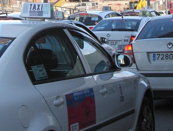 Zaragoza subirá un 5% las tarifas del taxi