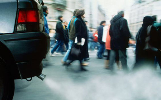 El 60% de los españoles pagaría más por tener un coche ecológico