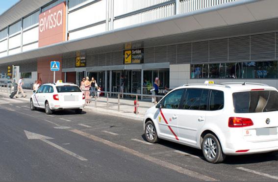 C�maras en el aeropuerto de Ibiza para vigilar a los �piratas�
