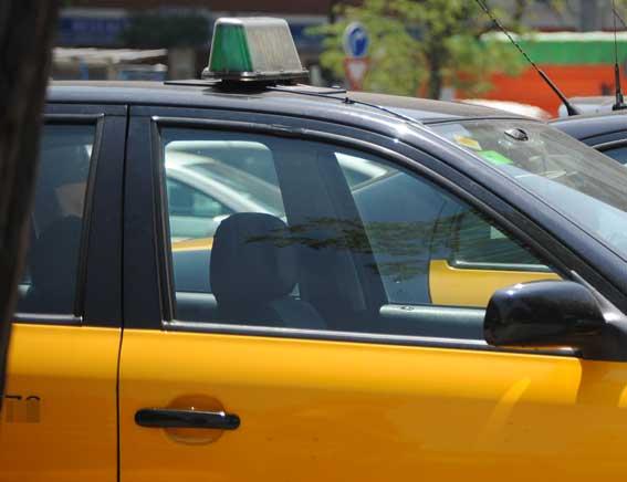 Reunión del IMET con los taxistas para conocer el futuro del sector