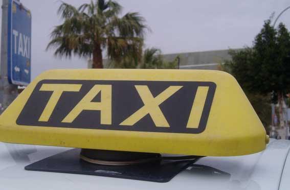 Seis jóvenes apalean a un taxista para no pagar la carrera