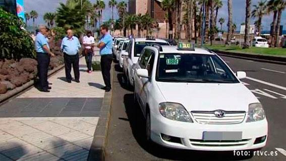 La Mesa del Taxi valorará la suspensión de imponer turnos