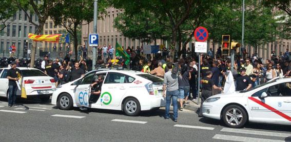 Miembros de Élite viajan a Barcelona para apoyar en el juicio contra Uber