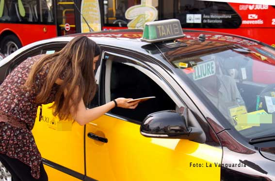 Manual de catalán para taxistas inmigrantes