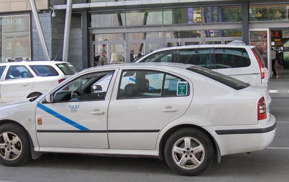 El taxi malagueño pide retirar 300 licencias