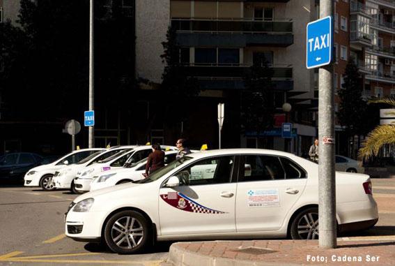El taxi de Cartagena rechaza subir sus tarifas