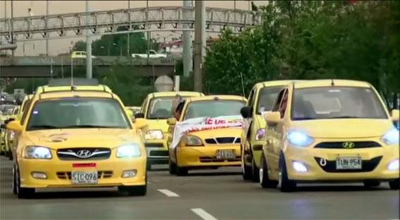 Los taxistas amenazan con bloquear los aeropuertos de Colombia