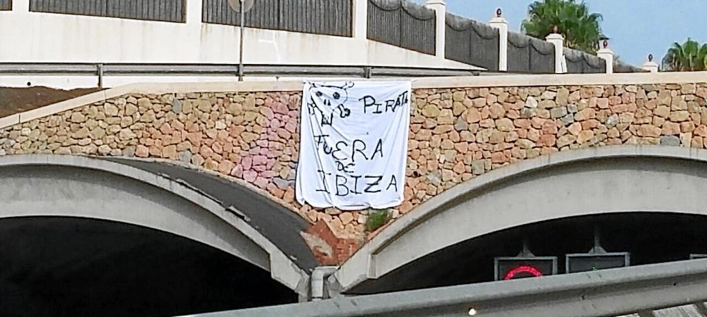 Más actos de protesta contra los taxis piratas