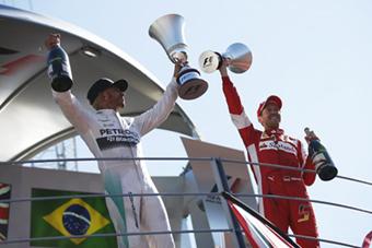 Hamilton gana con suspense el GP de Italia