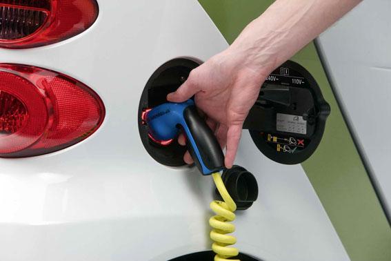 Incentivos del gobierno para vehículos alternativos con el Plan VEA
