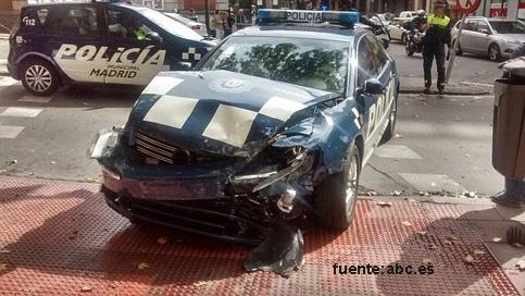 El antiguo coche oficial de Gallardón choca con un taxi