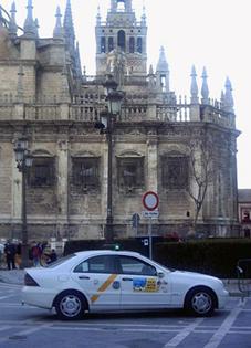 Sobran más de 300 licencias en Sevilla