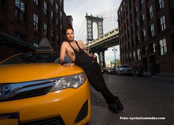 Taxistas de NY seducen a la cámara en su nuevo calendario