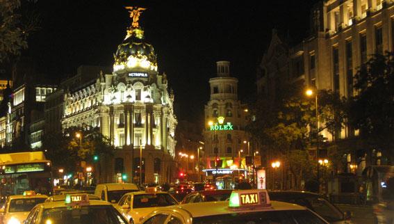 Madrid refuerza el servicio de taxi por Navidad