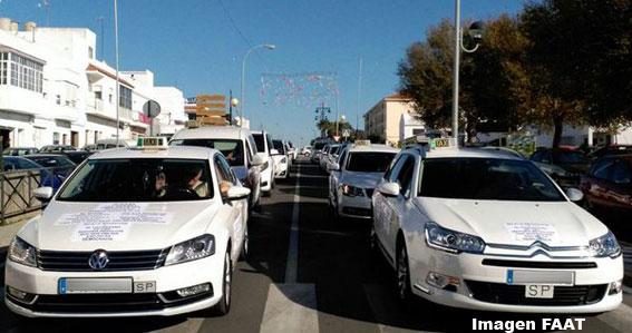 Manifestación en Conil contra el nuevo Reglamento