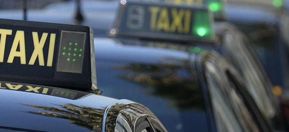 Detenidos dos jóvenes por intentar robar a un taxista
