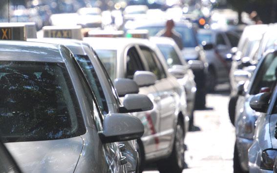 Suspendida la resolución que denegó el permiso a un taxista con antecedentes