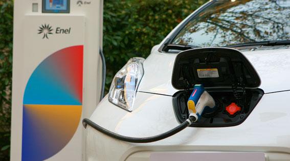 Los trabajadores de Unesa se desplazarán en taxis eléctricos