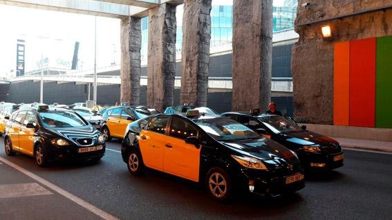 El taxi de Barcelona reducirá su oferta al 20%
