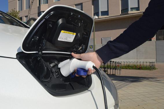 Madrid apuesta por la electrificación del taxi