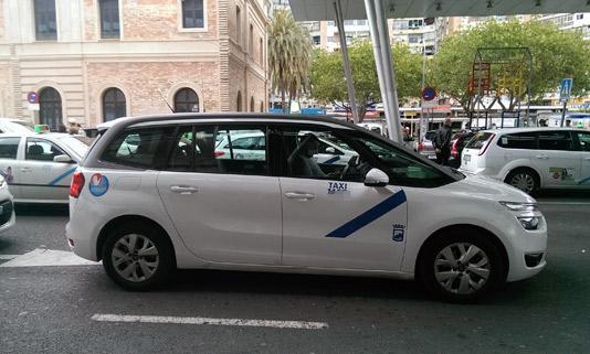 Dos detenidos por asaltar a cuatro taxistas