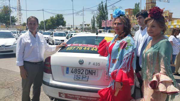El taxi cordob�s vuelve a colaborar con la donaci�n