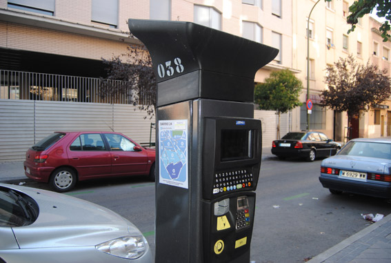 """El 81% de los españoles reconoce multas por """"mal aparcamiento"""""""