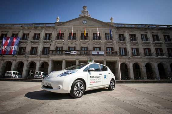 Vitoria se apunta al taxi eléctrico